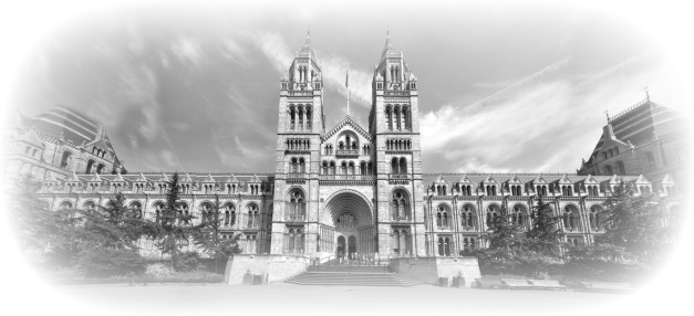 bw london_natural_history_museum_panorama