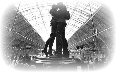 St_Pancras__Lovers_1985179a